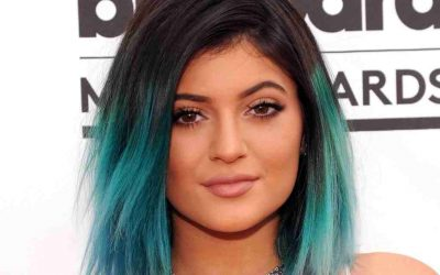 NEW DIP-DYE HAIR COLOR IDEAS FOR THE COMING SEASON